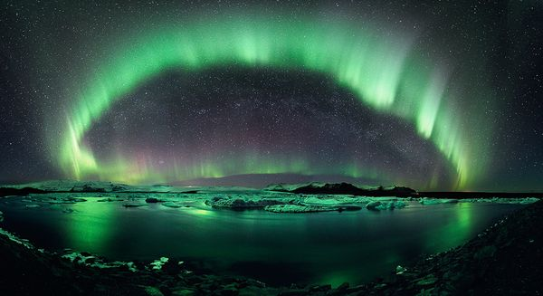 best-pictures-night-sky-astrophotography-photo-contest-aurora-borealis-iceland_35561_600x450